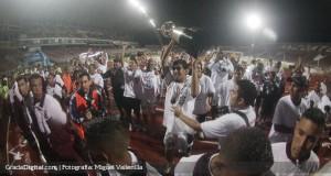 ÁG | En fotografías, todas las emociones vividas en Puerto La Cruz con la consagración del Zamora FC
