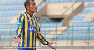 El goleador del fútbol nacional, Juan García, vuelve a la Primera División