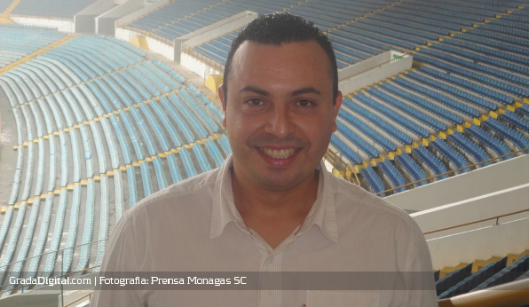 http://gradadigital.com/home/wp-content/uploads/2013/06/miguel_acosta_director_tecnico_monagas_sports_club_13062013.JPG