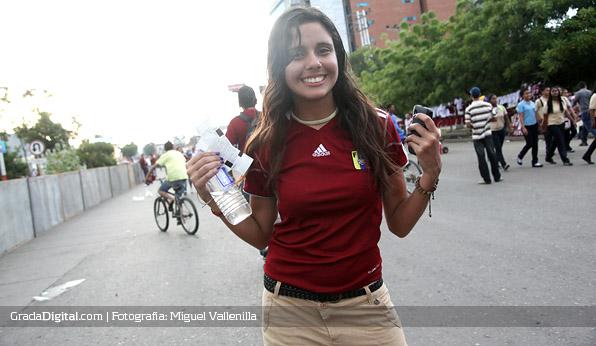 aficionada_venezuela_ecuador_16102012_2