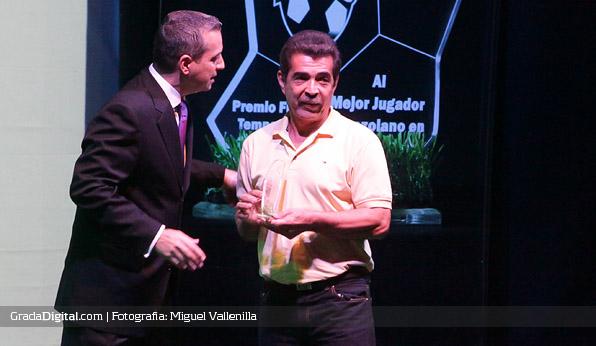 premios_futve_2013_1_08082013_juan_arango_padre_papa