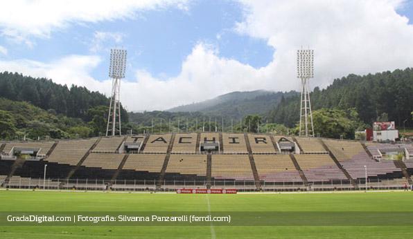 pueblo_nuevo_entrenamiento_venezuela_14082013