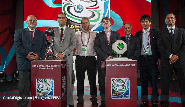 rafael_dudamel_lino_alonso_sorteo_mundial_sub17_venezuela_26082013