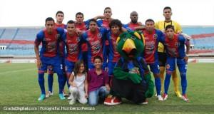 Llaneros sacó empate ante el hattrick de Padilla