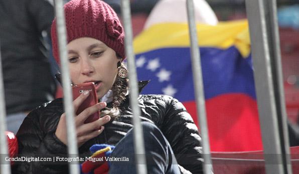 aficionada_chile_venezuela_06092013_2