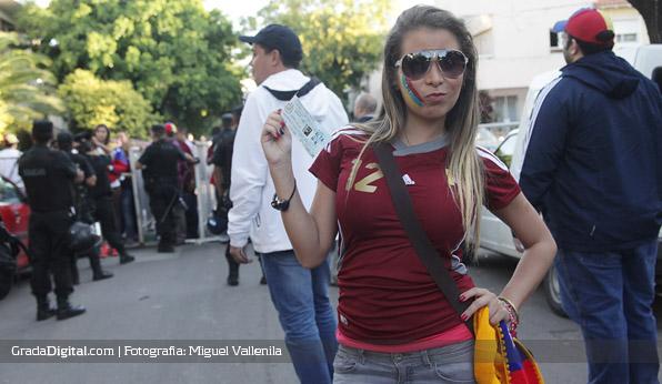 aficionada_venezuela_river_22032013_2