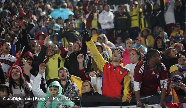 aficionados_chile_venezuela_06092013_4