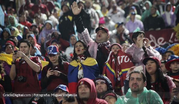 aficionados_chile_venezuela_06092013_5