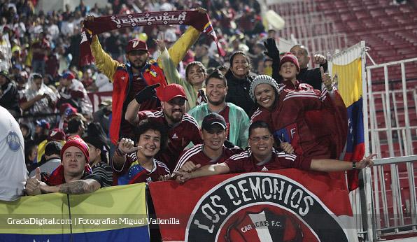 aficionados_chile_venezuela_06092013_7
