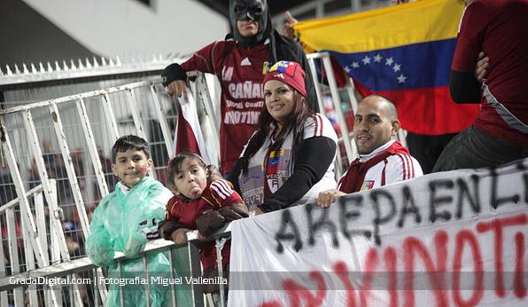 aficionados_chile_venezuela_06092013_8