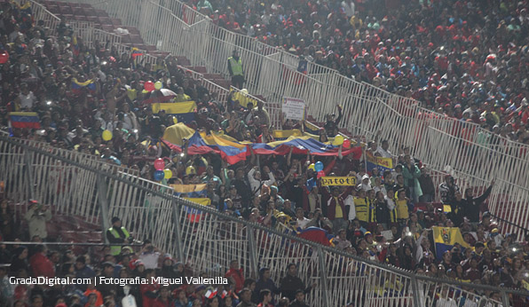 aficionados_chile_venezuela_06092013_9