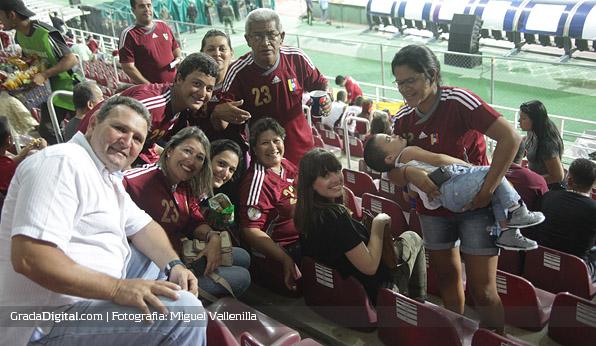 aficionados_salomon_rondon_familia_venezuela_peru_10092013