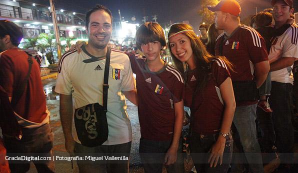 aficionados_venezuela_peru_10092013_2