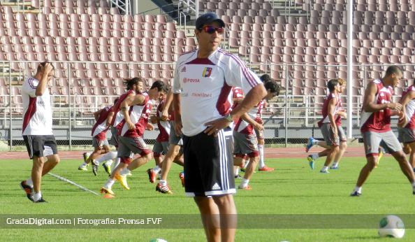 cesar_farias_entrenamiento_venezuela_vinotinto_09092013