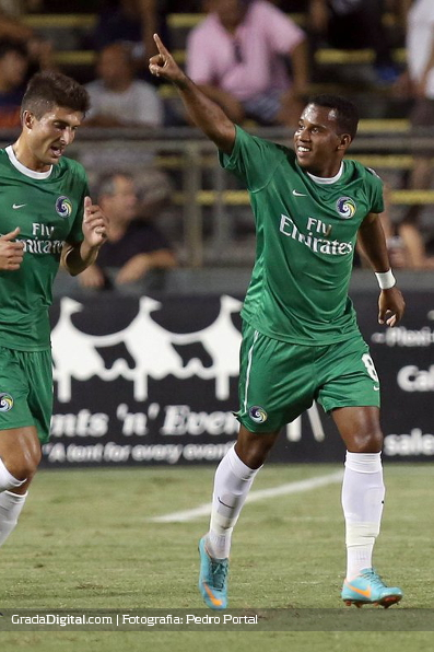 http://gradadigital.com/home/wp-content/uploads/2013/09/diomar_diaz_fort_lauderdale_strikers_new_york_cosmos_21092013_2.JPG