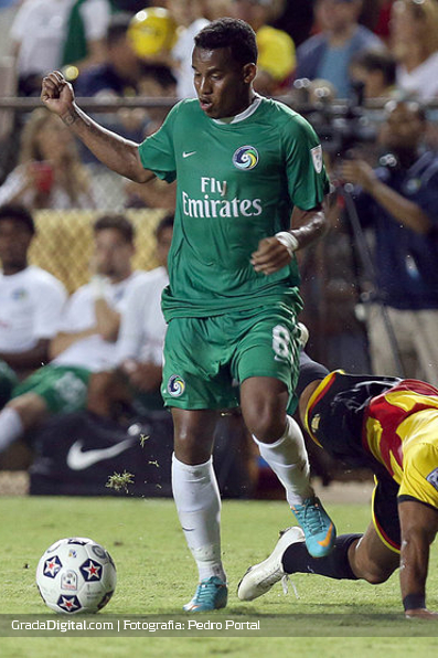 http://gradadigital.com/home/wp-content/uploads/2013/09/diomar_diaz_fort_lauderdale_strikers_new_york_cosmos_21092013_3.JPG