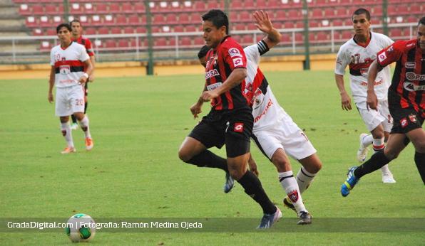 http://gradadigital.com/home/wp-content/uploads/2013/09/jose_buda_torrealba_deportivo_lara_portuguesa_copa_venezuela_07092013_4.jpg