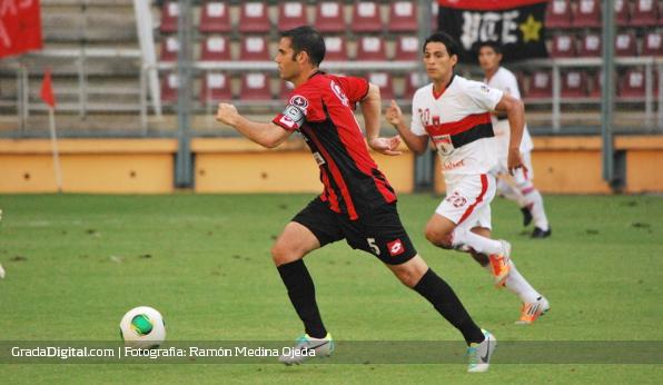 http://gradadigital.com/home/wp-content/uploads/2013/09/miguel_mea_vitali_deportivo_lara_portuguesa_copa_venezuela_07092013_2.jpg