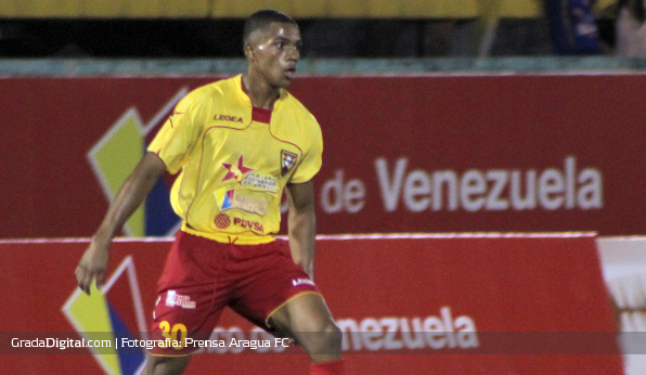 http://gradadigital.com/home/wp-content/uploads/2013/09/pedro_valdes_aragua_guarani_copa_venezuela_08092013.JPG