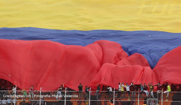 aficion_pueblo_nuevo_venezuela_paraguay_11102013