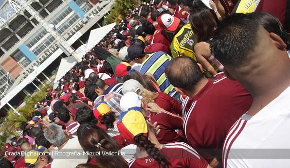 aficion_venezuela_paraguay_11102013_3