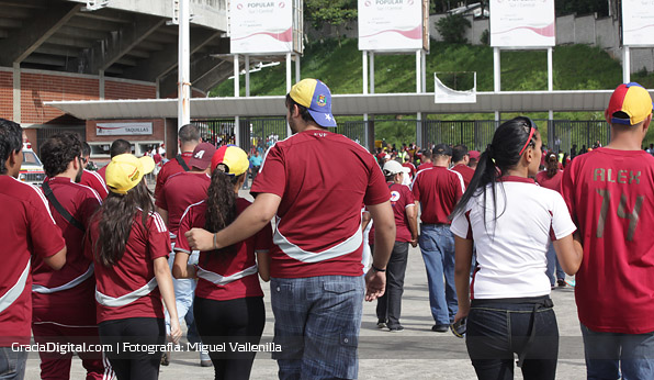 aficion_venezuela_paraguay_11102013_5