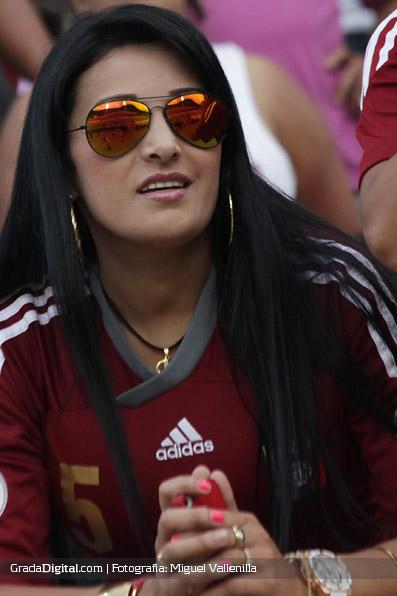 aficionada_venezuela_paraguay_11102013_5