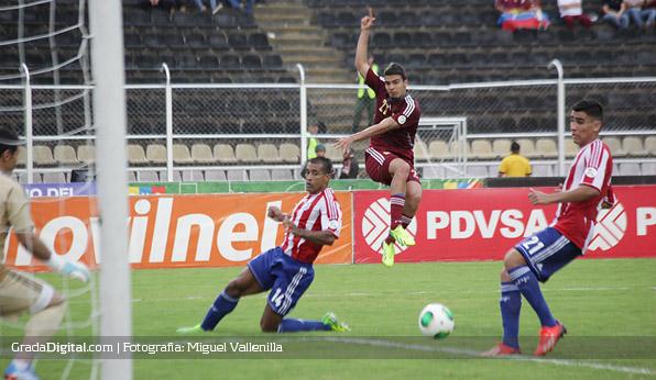 alexander_gonzalez_venezuela_paraguay_11102013