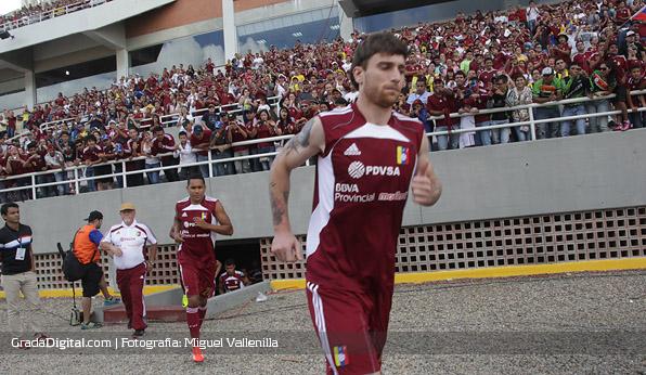 fernando_amorebieta_grenddy_perozo_venezuela_paraguay_11102013