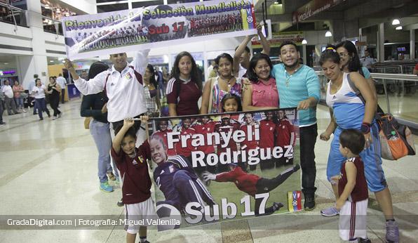 franyeli_rodriguez_venezuela_sudamericano_sub17_llegada_maiquetia_01102013