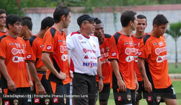 http://gradadigital.com/home/wp-content/uploads/2013/12/ali_canas_jugadores_entrenamiento_deportivo_lara_26122013.jpg