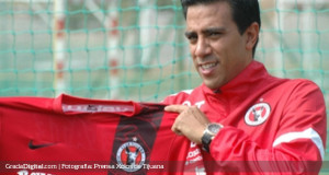 +FOTOS | César Farías ya posa con el uniforme de Xolos de Tijuana