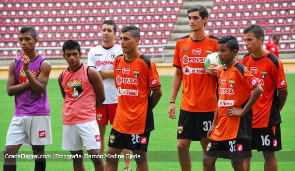 http://gradadigital.com/home/wp-content/uploads/2013/12/entrenamiento_deportivo_lara_19122013.jpg