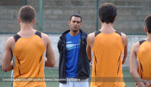 http://gradadigital.com/home/wp-content/uploads/2013/12/lenin_bastidas_director_tecnico_deportivo_laguaira_27122013_1.jpg
