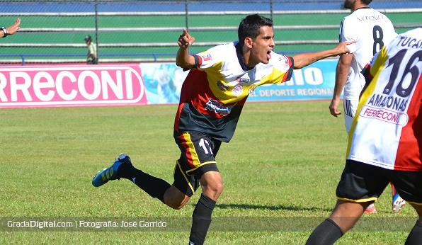 http://gradadigital.com/home/wp-content/uploads/2014/01/arnaldo_aranda_torneo_clausura_tucanes_amazonas_atletico_venezuela_11012014.jpg