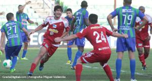 Roberto Tucker amplía su contrato con el Caracas