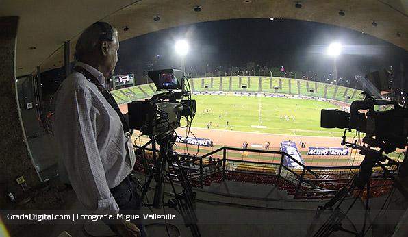 http://gradadigital.com/home/wp-content/uploads/2014/02/caracas_zulia_estadio_olimpico_ucv_19022014.jpg