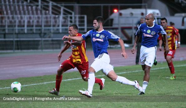 http://gradadigital.com/home/wp-content/uploads/2014/02/framber_villegas_javier_gonzalez_deportivo_anzoategui_atletico_venezuela_torneo_clausura_01022014.jpg