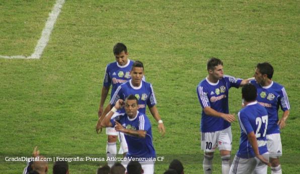 http://gradadigital.com/home/wp-content/uploads/2014/02/hector_gonzalez_deportivo_anzoategui_atletico_venezuela_torneo_clausura_01022014_2.jpg