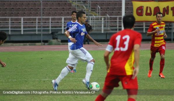 http://gradadigital.com/home/wp-content/uploads/2014/02/hector_gonzalez_deportivo_anzoategui_atletico_venezuela_torneo_clausura_01022014_3.jpg