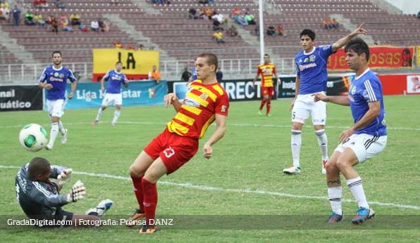 http://gradadigital.com/home/wp-content/uploads/2014/02/jaime_moreno_deportivo_anzoategui_atletico_venezuela_torneo_clausura_01022014.jpg