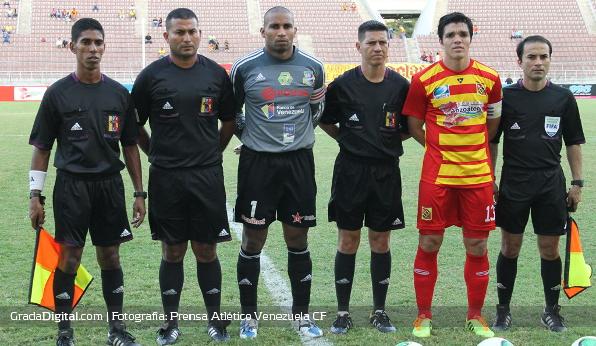 http://gradadigital.com/home/wp-content/uploads/2014/02/javier_toyo_juan_fuenmayor_deportivo_anzoategui_atletico_venezuela_torneo_clausura_01022014.jpg