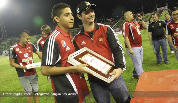 http://gradadigital.com/home/wp-content/uploads/2014/02/leomar_pinto_homenaje_caracas_sub17_venezuela_01052013.jpg