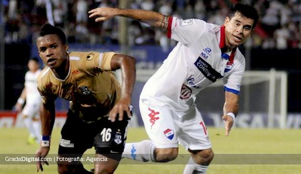 http://gradadigital.com/home/wp-content/uploads/2014/02/luis_ovalle_nacional_paraguay_zamora_copa_libertadores_20022014.jpg