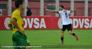 Zamora con goleada mantiene el liderato