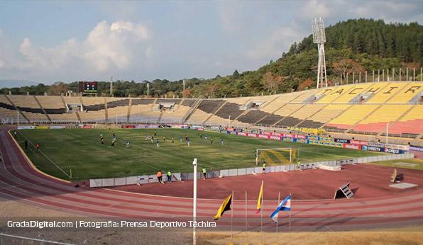 http://gradadigital.com/home/wp-content/uploads/2014/02/tachira_atlvenezuela_estadio_pueblonuevo_sancristobal_16022014.jpg