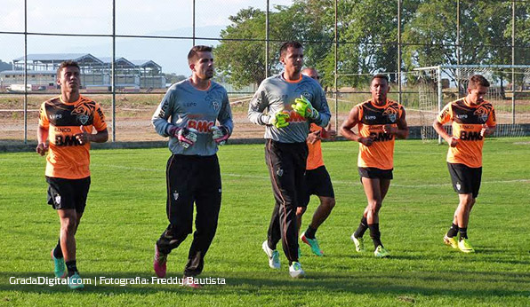 victor_leandro_atletico_mineiro_barinas_entrenamiento_09022014