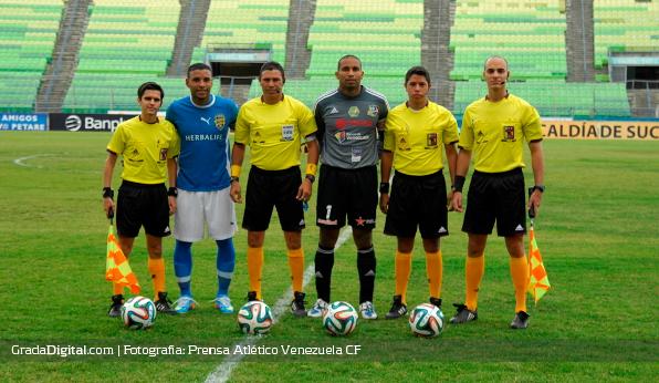http://gradadigital.com/home/wp-content/uploads/2014/03/armando_maita_javier_toyo_deportivo_petare_atletico_venezuela_02032014.jpg