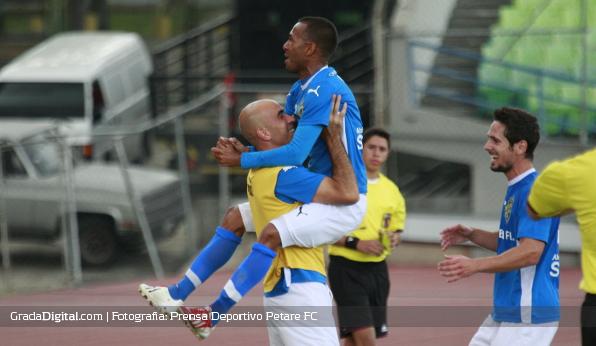 http://gradadigital.com/home/wp-content/uploads/2014/03/roberto_carlos_bolivar_deportivo_petare_atletico_venezuela_02032014_1.jpg