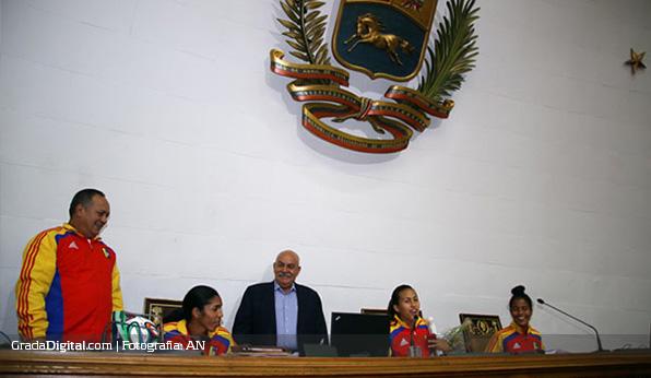 michelle_romero_barbara_serrano_asamblea_nacional_venezuela_mundial_sub17_08042014